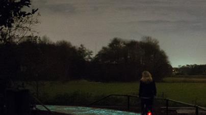 美轮美奂的太阳能公路  荷兰建世界首条太阳能路:夜晚灿如繁星闪耀